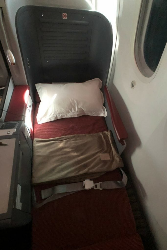 LATAM BUSINESS CLASS SEAT FLAT FRONT