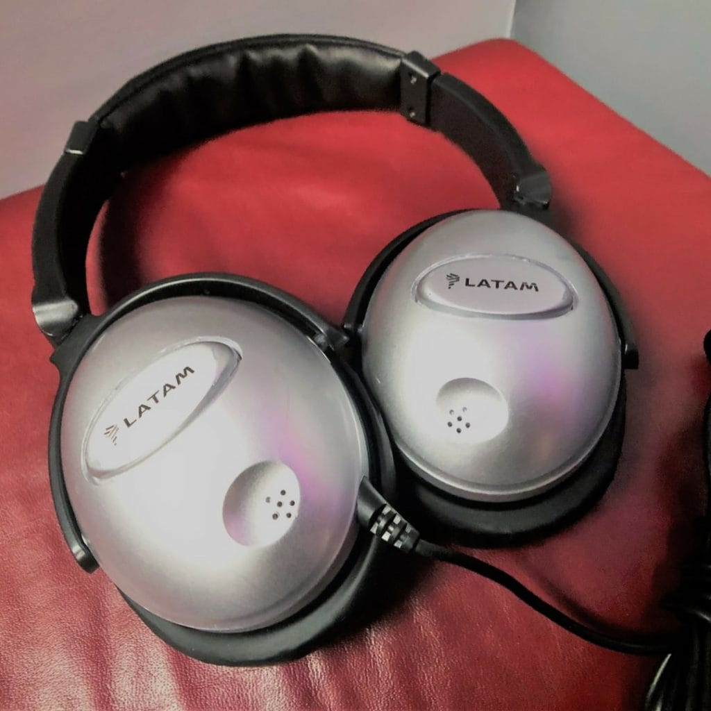 Latam business class headphones
