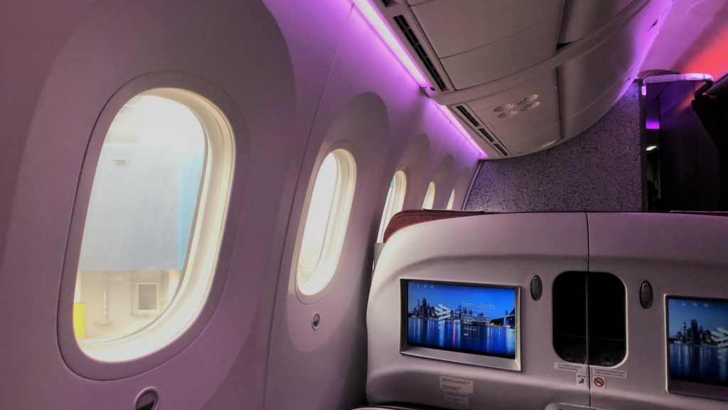latam dreamliner mood lighting