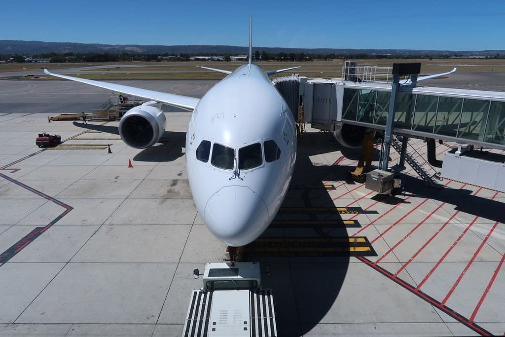 air-new-zealand-plane-at-adelaide-airport