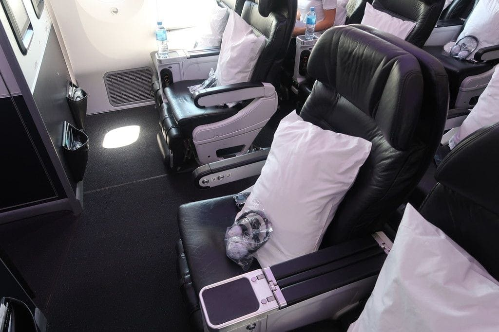 premium-economy-cabin-air-new-zealand