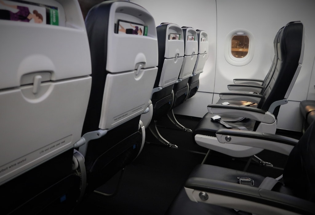 air new zealand economy class review side shot seat row a320