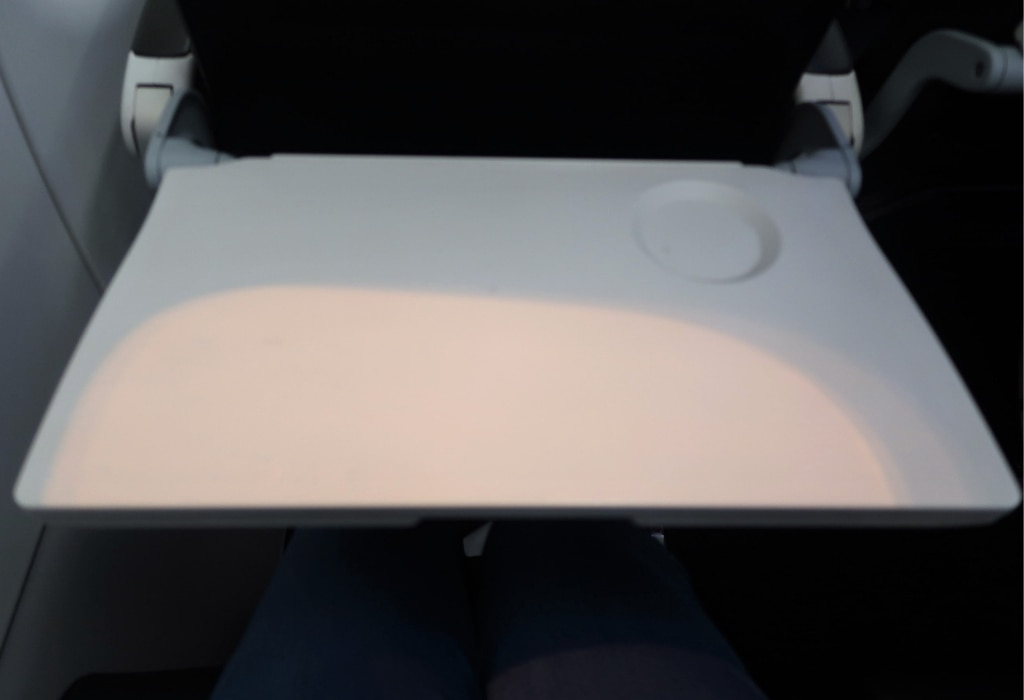 air new zealand economy class review a320 seat tray table