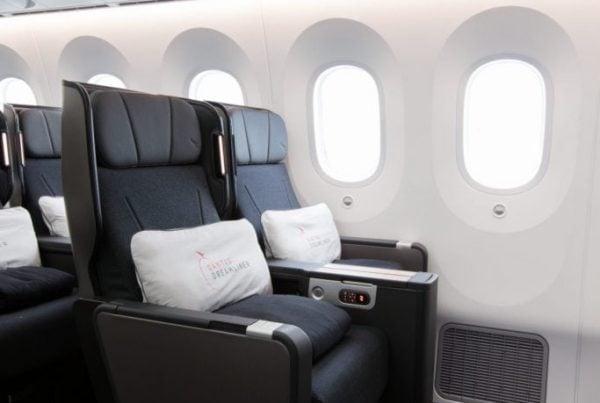qantas dreamliner premium economy