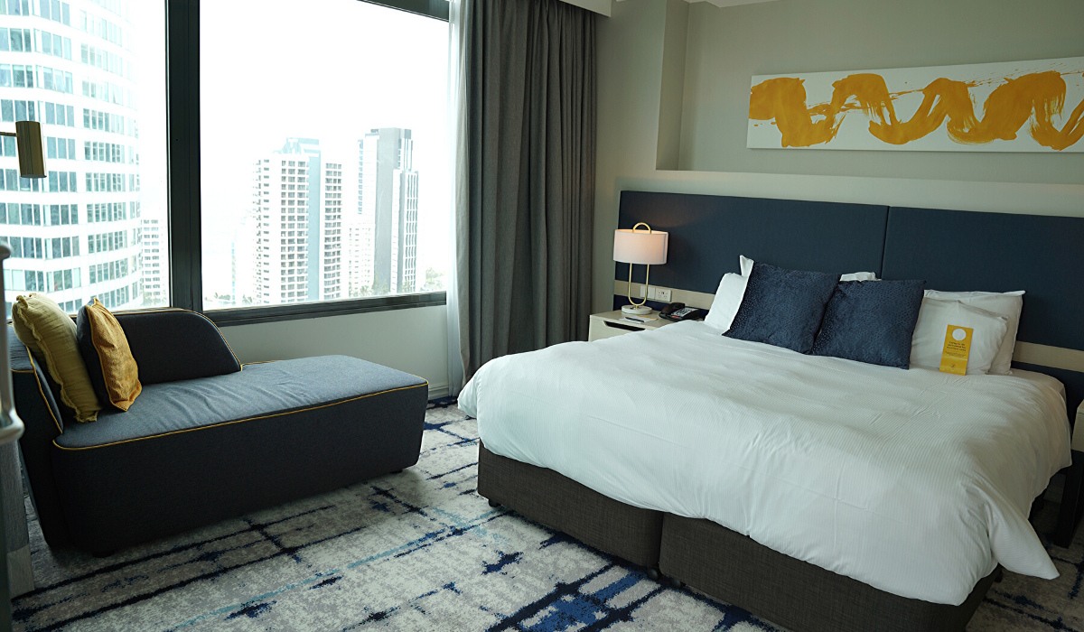 voco room view bed long view