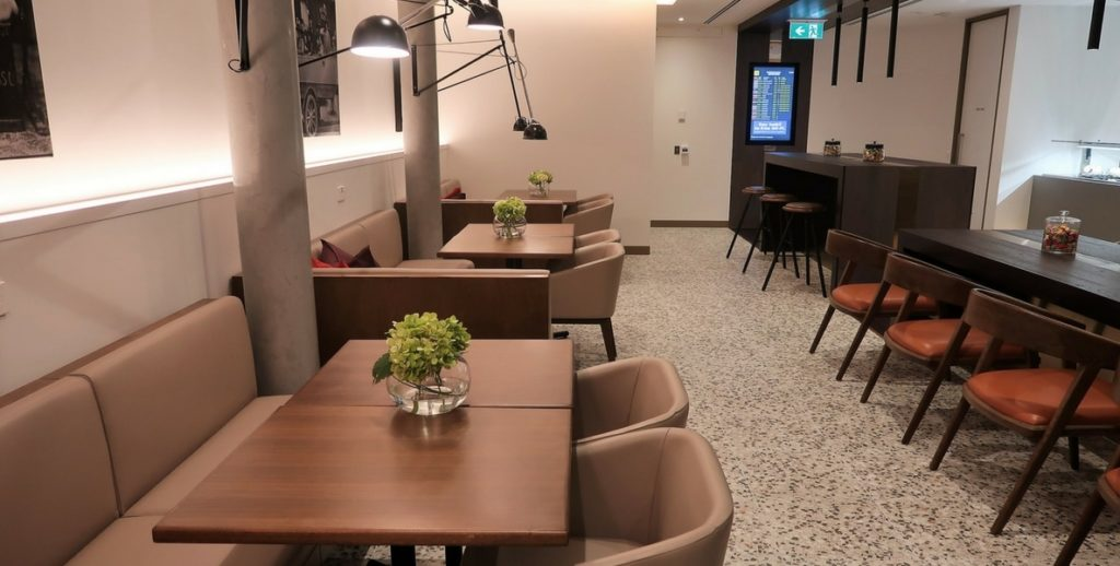 AMEX lounge melbourne dining